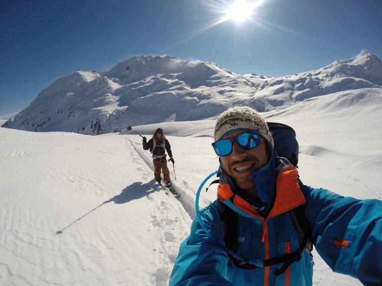Splitboard Tour bei perfektem Wetter im weißen Powder